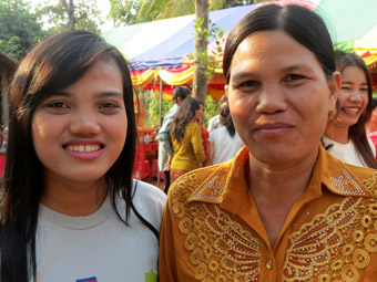 Sinat and her mother